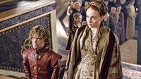Am Hof von Königsmund wird Hochzeit gefeiert: Tyrion Lennister (Peter Dinklage) und Sansa Stark (Sophie Turner) heiraten.. – © RTL II