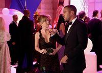 Kampf um jeden Cent: Ellen Pompeo als Meredith Grey, Jesse Williams als Jackson Avery (Copyright SRF/ABC Studios) – © SF