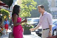 Lynly (Antoinette Robertson, l.) hat sich geschworen, dass sie George (Scott Porter, l.) nicht kampflos aufgeben will ... – © Warner Brothers