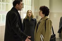 Darren Richmond (Billy Campbell), Gwen Eaton (Kristin Lehman) und Ruth Yitanes (Lee Garrington) – © RTL Crime