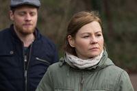 Suse Mangold (Angeline Anett Heilfort) fühlt sich in die Pläne ihres Mannes Jonas (Stefan Konarske) nicht eingebunden. – © ZDF und Frédéric Batier