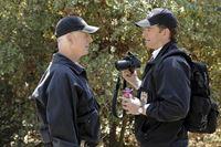 Ermitteln in einem neuen Mordfall: Tony (Michael Weatherly, r.) und Gibbs (Mark Harmon, l.) ... – © CBS Television