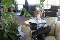 Ermittelt Undercover um einen neuen Fall zu lösen: Deeks (Eric Christian Olsen) ... – © CBS Studios Inc. All Rights Reserved.