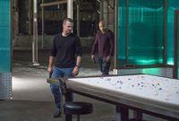 Ein neuer Fall wartet auf Callen (Chris O'Donnell, l.) und Sam (LL Cool J, r.) ... – © CBS Studios Inc. All Rights Reserved.