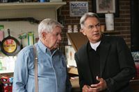 Vater und Sohn (Staffel 6, Folge 4) – Bild: Sat.1