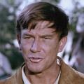 """Hellmut Lange ist tot – Schauspieler und Moderator starb im Alter von 87 Jahren – © Concorde Home Entertainment (Szene aus dem Film """"Lederstrumpf"""")"""