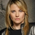 "Lucy Lawless in ""No Ordinary Family"" (Leichte Spoiler!) – Ex-""Xena"" mischt Superheldenfamilie auf – Bild: Syfy"