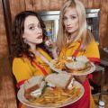 "Neue US-Serien 2011/12 (29): ""2 Broke Girls"" – Kat Dennings kellnert in New York – © CBS"