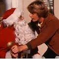 """Weihnachten in Serie(n): Episode 13 – """"Ein Duke kommt selten allein - Weihnachten nach Hazzard Art"""" – Bild: Warner Bros. Television"""