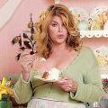 Kirstie Alley mit eigenem Diätprogramm – Schauspielerin sieht sich selbst als bestes Beispiel für den Erfolg – © scrapetv.com
