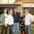 """VOX nimmt """"Die Chaosfamilie"""" ins Nachmittagsprogramm – Australische Familienserie startet Mitte Februar – © Passion"""