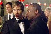 Dr. Daniel Pierce (Eric McCormack, l.) und Paul Haley (LeVar Burton) – © RTL Crime