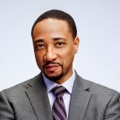 Damon Gupton – Bild: RTL Crime / 2015, 2016 Sony Pictures Television Inc. and Universal Television LLC.
