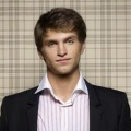 Keegan Allen – Bild: ABC FAMILY/MATHIEU YOUNG