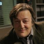 Stephen Fry – Bild: Carin Baer/FOX