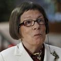 Linda Hunt – Bild: CBS Broadcasting Inc.