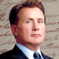 Martin Sheen – Bild: Warner Bros. TV