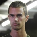 Theo James – Bild: BBC Worldwide Productions