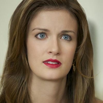 Angela Elayne Gibbs  nackt
