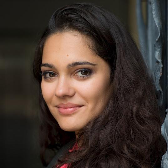 Nilam Farooq – Bild: SRF/ZDF/Uwe Frauendorf