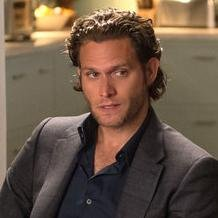 Steven Pasquale – Bild: 2014 CBS Broadcasting Inc. All Rights Reserved.