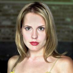 Emma Caulfield – Bild: Andrew MacPherson/UPN