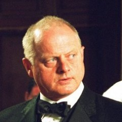 Robert Pugh – Bild: BBC 2004