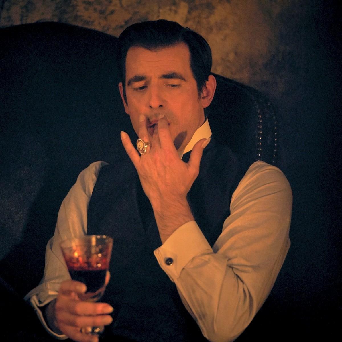 """""""Dracula"""": Featurette mit den Produzenten zur Netflix-Serie – Macher beleuchten ihre Herangehensweise – Bild: Netflix"""