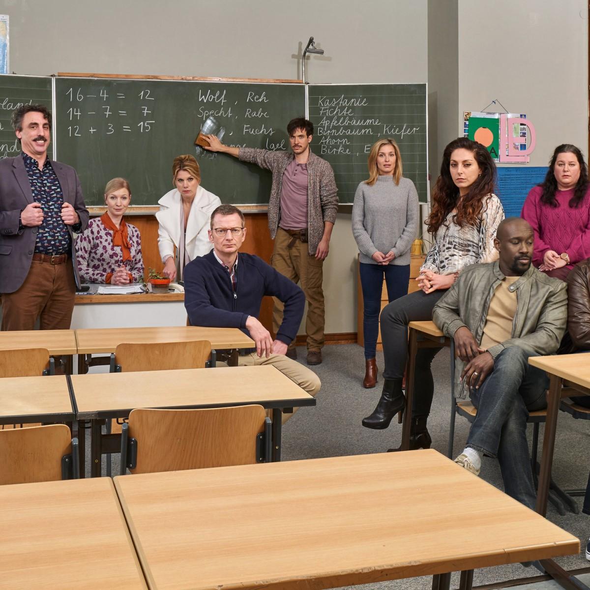 """[UPDATE] Neuer Serien-Freitag in Sat.1 mit """"Die Läusemutter"""" und """"Think Big!"""" – Mit Kessler, Nadolny, Plaß und Cetinkaya – Bild: Sat.1/Frank Dicks"""