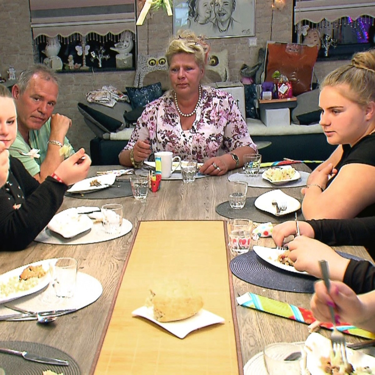 """""""Lecker Schmecker Wollny"""" kehrt zurück – Neue Folgen der etwas anderen Kochshow bei RTL Zwei – Bild: RTL Zwei"""