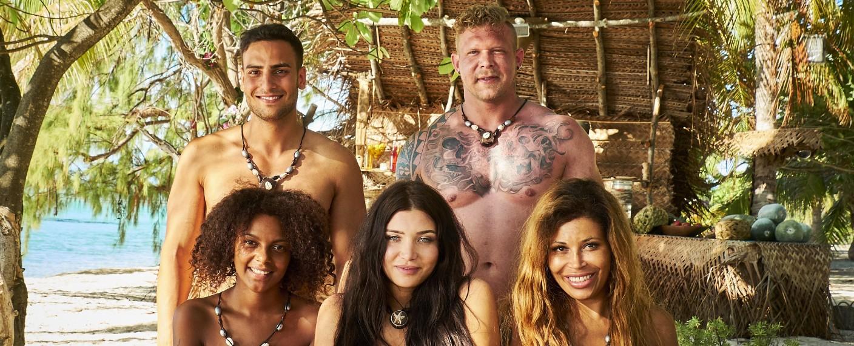 """Adam sucht Eva"": vorne: Beabrice, Melody Haase, Patricia Blanco; hinten: Timur Ülker, Konrad – Bild: MG RTL D"
