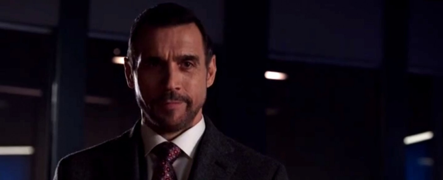 "Adrian Paul bei einem Gastauftritt in ""Arrow"" – Bild: The CW"