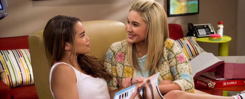 """Alexa (Paris Berelc) und Katie (Isabel May) in """"Alexa & Katie"""" – Bild: Netflix"""