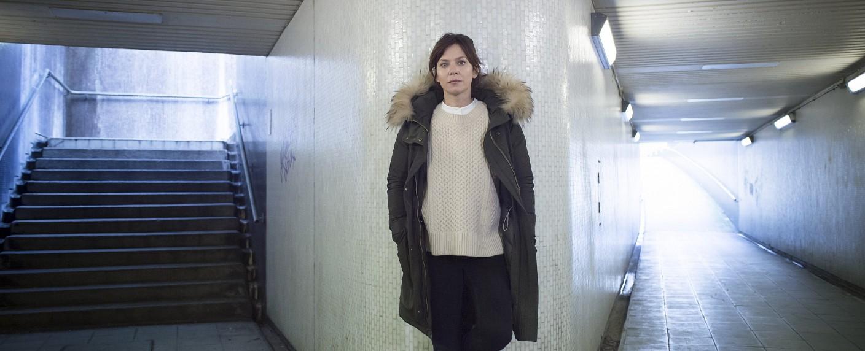 """Anna Friel als Marcella Backland in """"Marcella"""" – Bild: Netflix"""