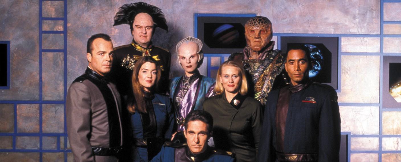 """""""Babylon 5"""": Der Cast der ersten Staffel – Bild: Warner"""