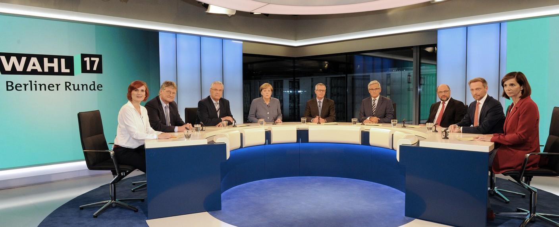 """Die mitunter hitzige """"Berliner Runde"""" wurde von insgesamt über zehn Millionen Menschen verfolgt. – Bild: ARD-Hauptstadtstudio/Axel Berger"""