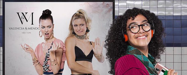 """""""Betty in New York"""": sixx kündigt neue US-Telenovela für Ende Juli an – US-Serie nach """"Verliebt in Berlin""""-Vorbild """"Yo soy Betty, la fea"""" – Bild: Telemundo"""