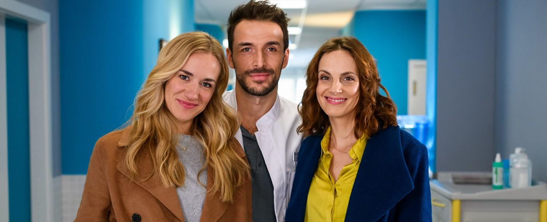 """""""Bettys Diagnose"""": Annina Hellenthal (als Betty Weiss), Max Alberti (als Dr. Frank Stern) und Marie Zielcke (als Hanna Winter) – Bild: ZDF/Willi Weber"""