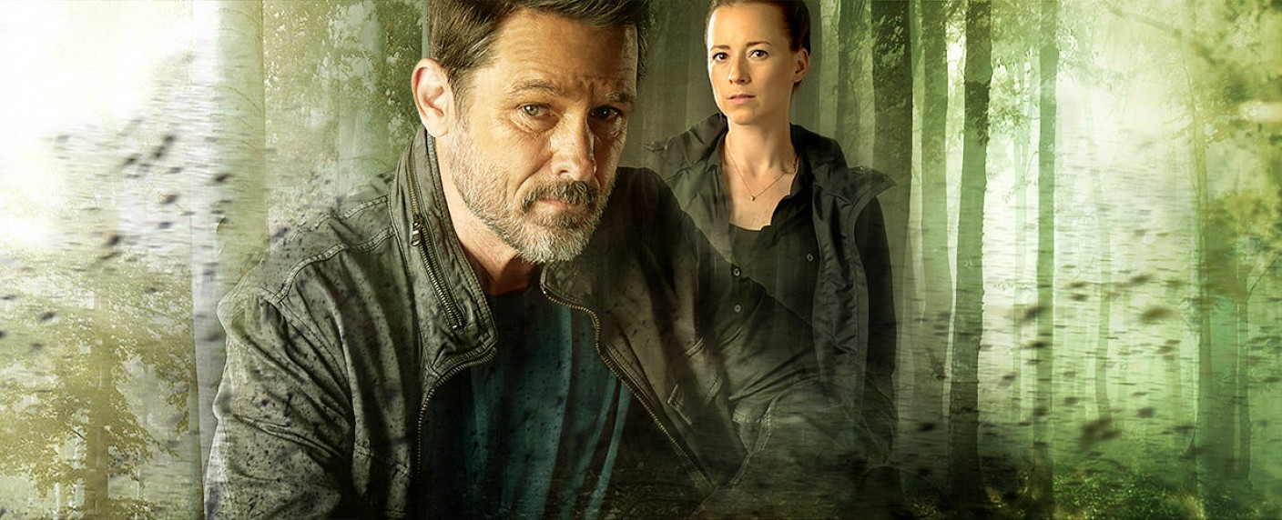 "Billy Campbell und Karine Vanasse in ""Cardinal"" – Bild: CTV"