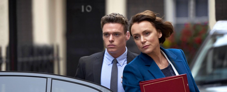 """""""Bodyguard"""": Personenschützer David Budd (Richard Madden) und Ministerin Julia Montague (Keeley Hawes) – Bild: BBC one"""