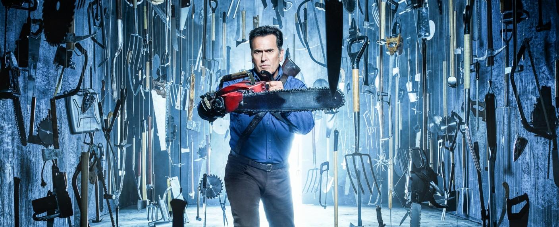 "Bruce Campbell als Ash Williams in der dritten Staffel von ""Ash vs. Evil Dead"" – Bild: TVNOW /Ash vs Evil Dead © 2017 Starz Entertainment, LLC"