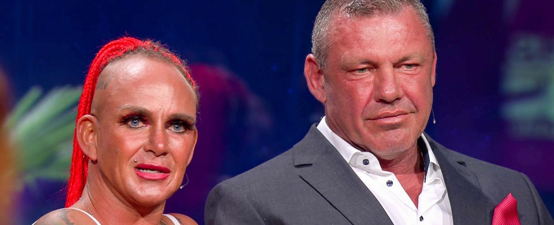 """""""Das Sommerhaus der Stars"""": Caro (l.) und Andreas Robens sind die Gewinner der diesjährigen Staffel – Bild: TVNOW"""