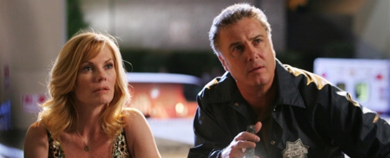 """Catherine Willows (Marg Helgenberger) und Gil Grissom (William Petersen) in """"CSI"""" – Bild: CBS"""