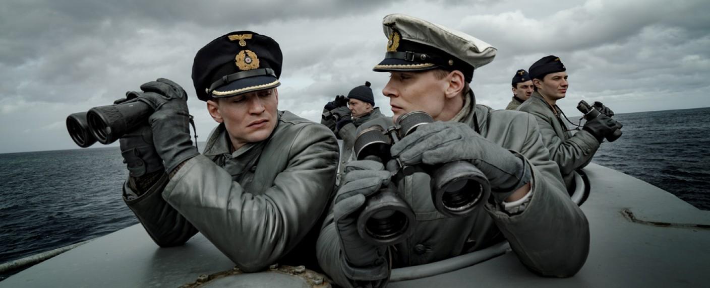 """""""Das Boot"""": Zwischen dem neuen Kommandanten, Kapitänleutnant Klaus Hoffmann (Rick Okon, r.), und Oberleutnant Tennstedt (August Wittgenstein) kommt es schnell zu Konflikten. – Bild: ZDF/Nik Konietzny"""