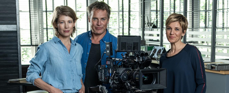 """Das neue """"SOKO Köln""""-Team: Sonja Baum, Pierre Besson und Kerstin Landmann (v.l.n.r.) – Bild: ZDF/Larslaion"""