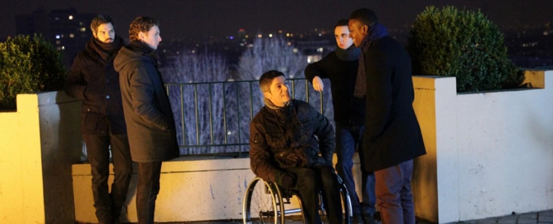 """""""Dein Wille Geschehe"""": Einige der Priester in Staffel 3 – Bild: arte France"""