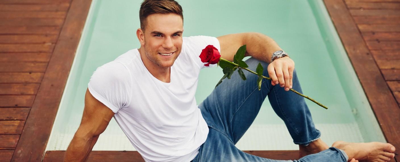 "Der ""Bachelor"" der zehnten Staffel: Kickboxer Sebastian Preuss – Bild: TVNOW/Arya Shirazi"