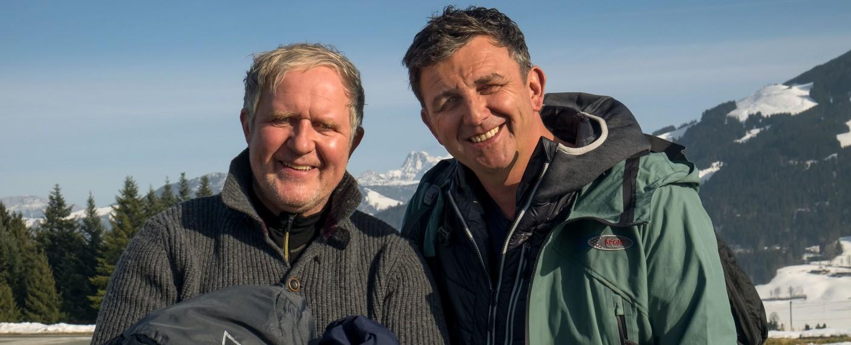 "Der ehemalige ""Bergdoktor"" Harald Krassnitzer (l.) und der aktuelle ""Bergdoktor"" Hans Sigl (r.) – Bild: ZDF/Erika Hauri"