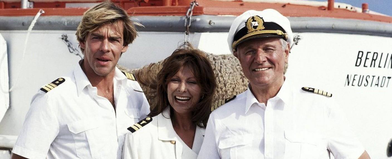 """Die alte """"Traumschiff""""-Crew: Sascha Hehn (l.), Heide Keller und Heinz Weiss – Bild: ZDF/Thomas Waldhelm/Polyphon"""