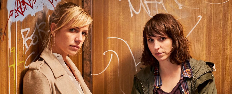 """Die beiden Protagonistinnen von """"SOKO Potsdam"""": Sophie Pohlmann (Katrin Jaehne, l.) und Luna Kunath (Caroline Erikson) – Bild: Gordon Muehle/ZDF"""